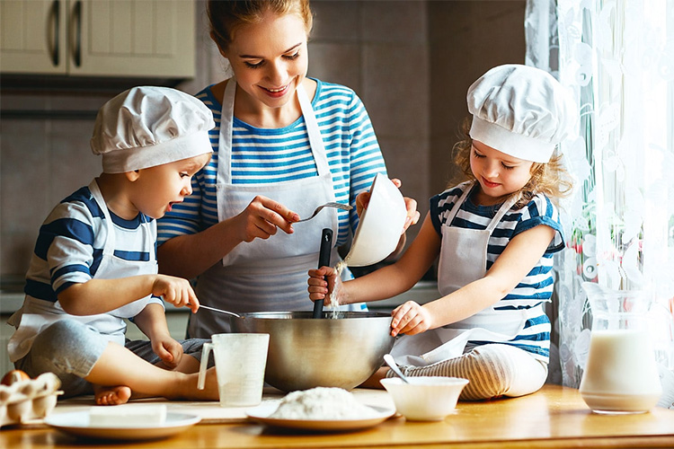 gatitul-cu-cei-mici