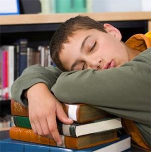 copil-invatat-adormit